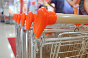 shopping_carts_free_photo-690x457